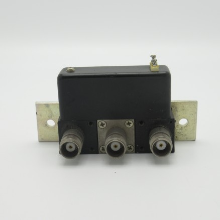 360-11892-13 Amphenol Coax Relay, SPDT (3) TNC Female connectors, 26v DC, DC-6 GHz. Dynaform Series (Used Great Condition)